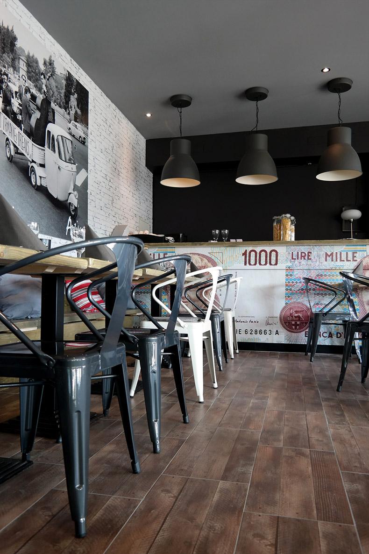Vue sur le bar du restaurant Antipasti