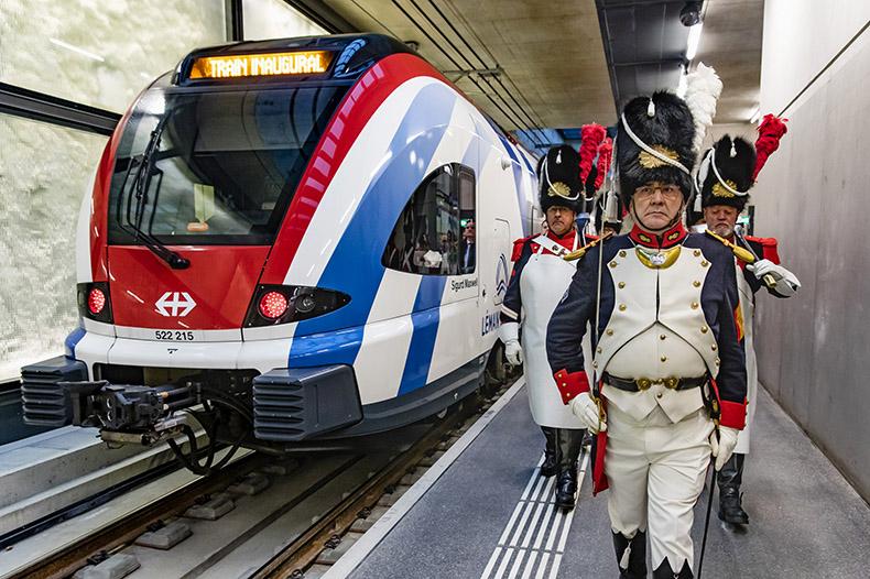 Les vieux grenadiers lors de l'inauguration du Léman Express